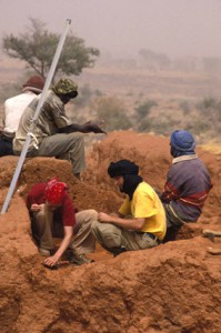 Test pit at Ounjougou, 2004. Photo E. Franzonello