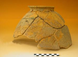 Céramique de la fin du 2e millénaire av. J.-C., site de Kéli Sogou. Photo S. Ozainne